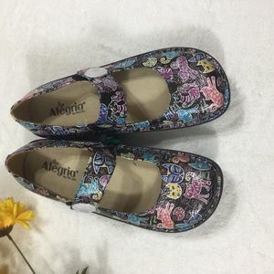 "0d4f3cc249764 Alegria Paloma ""Woman s Best Friend"" Size 11 42"